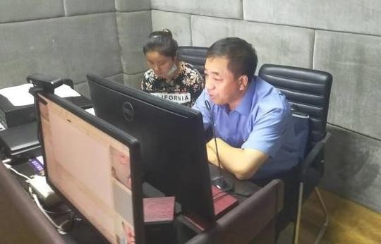 哈尔滨市双城区院:检察长肖显忠带头办理案件