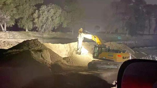忻州市忻府区一采砂厂超载拉运河砂并非法存储